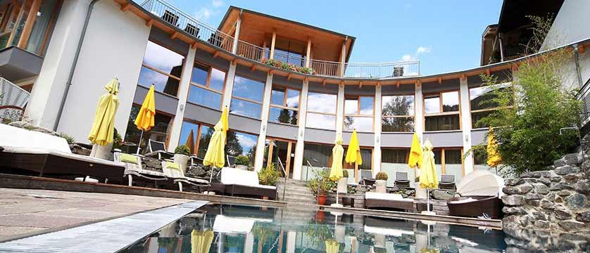 Hotel Eschenhof, Bad Kleinkirchheim, Austria - terrace with outdoor pool.jpg